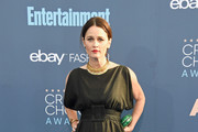 Robin Tunney - All the Looks from the 2016 Critics' Choice Awards