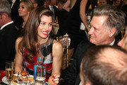 Actors Jessica Biel (L) and Bill Pullman attend The 23rd Annual Critics' Choice Awards at Barker Hangar on January 11, 2018 in Santa Monica, California.