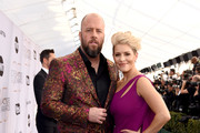 Chris Sullivan.( L) and Rachel Reichard attend the 25th Annual Screen ActorsGuild Awards at The Shrine Auditorium on January 27, 2019 in Los Angeles, California.