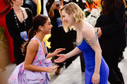 Actors Sarah Hyland. (L) and Rachel Brosnahan attend the 26th annual Screen Actors Guild Awards at The Shrine Auditorium on January 19, 2020 in Los Angeles, California.