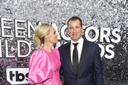 Molly Sims and Scott Stuber attend the 26th Annual Screen ActorsGuild Awards at The Shrine Auditorium on January 19, 2020 in Los Angeles, California.