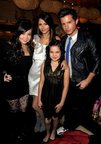 (L-R) Actors Anna Maria Perez de Tagle, Victoria Justice, Bailee Madison and Simon Curtis attend the 2nd annual Golden Globes party saluting young Hollywood held at Nobu Los Angeles on December 8, 2009 in West Hollywood, California.