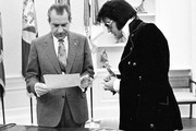 380450 13: President Richard Nixon meets with Elvis Presley December 21, 1970 at the White House.