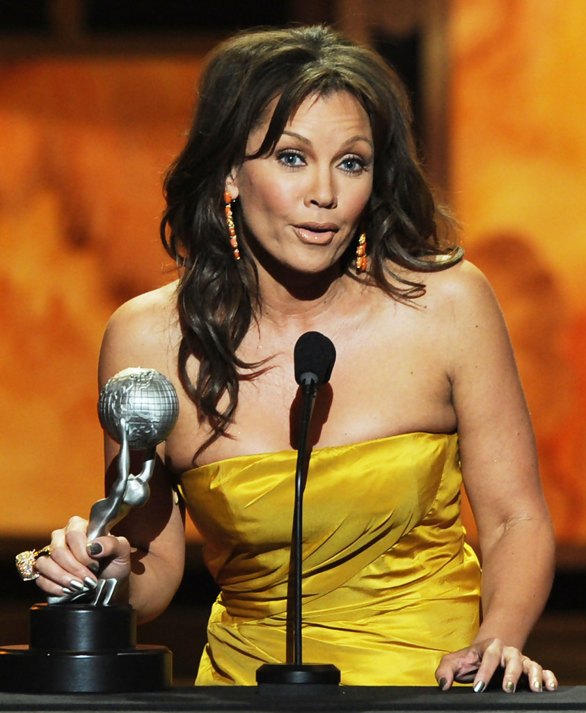 Vanessa Williams: Vanessa Williams In 42nd NAACP Image Awards