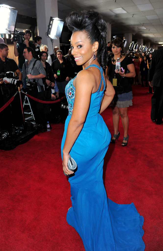 anika noni rose in 43rd naacp image awards red carpet 1