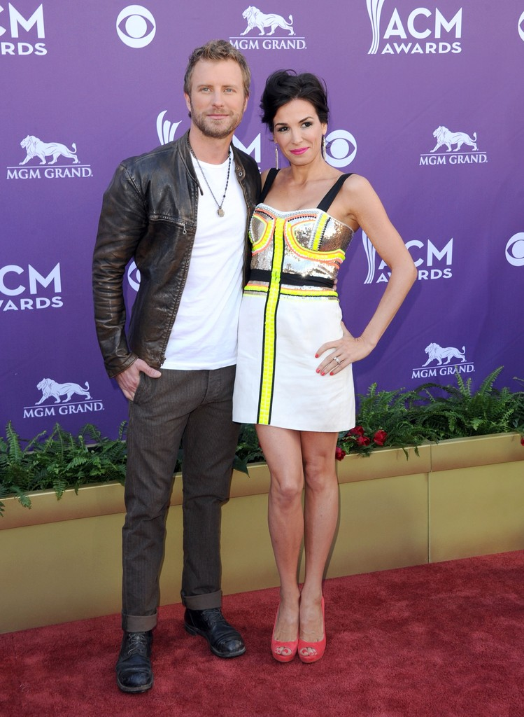 dierks bentley 39 s wife cassidy black country music 39 s hottest wives. Cars Review. Best American Auto & Cars Review