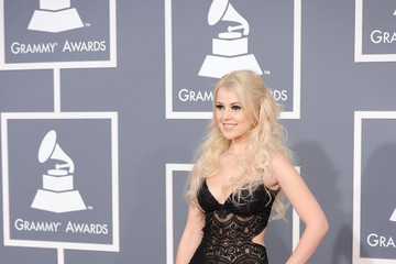 Mika Newton The 54th Annual GRAMMY Awards - Arrivals
