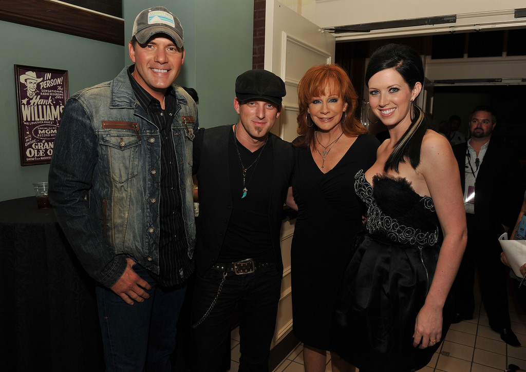 Reba mcentire and thompson square photos photos zimbio for How many kids does reba mcentire have