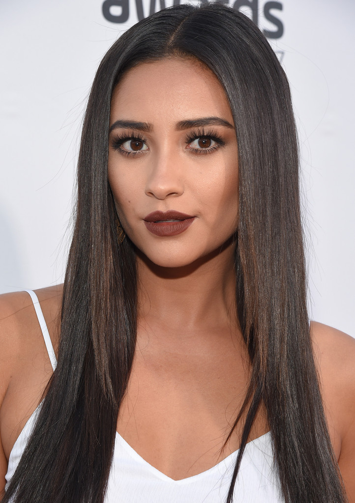 Shay Mitchell Photos Photos The 5th Annual Streamy
