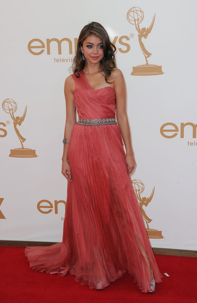 Actress Sarah Hyland arrives at the 63rd Annual Primetime Emmy Awards held at Nokia Theatre L.A. LIVE on September 18, 2011 in Los Angeles, California.