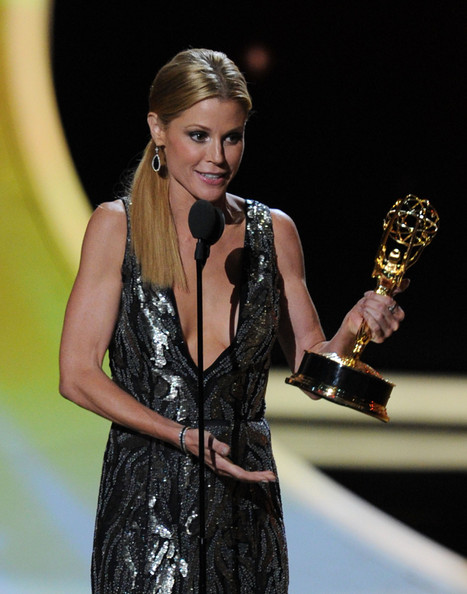 Actress Julie Bowen accepts the Outstanding Supporting Actress in a Comedy Series award onstage during the 63rd Annual Primetime Emmy Awards held at Nokia Theatre L.A. LIVE on September 18, 2011 in Los Angeles, California.