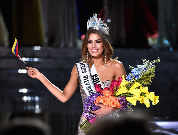 Steve Harvey Accidentally Announced the Wrong Miss Universe Winner and It Was Insanely Awkward