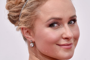 Hayden Panettiere Wears Hair Jewels the Right Way