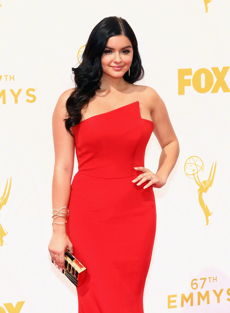 'Modern Family's' Sarah Hyland and Ariel Winter Are All Grown up and Gorgeous at This Year's Emmys