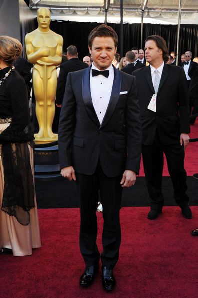Actor Jeremy Renner arrives at the 83rd Annual Academy Awards held at the Kodak Theatre on February 27, 2011 in Hollywood, California.