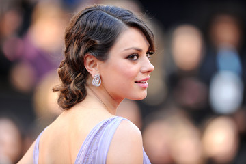 Lilac Swan: Mila Kunis in Elie Saab at the 2011 Oscars