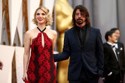 Recording artist Dave Grohl (R) and Jordyn Blum attend the 88th Annual Academy Awards at Hollywood & Highland Center on February 28, 2016 in Hollywood, California.