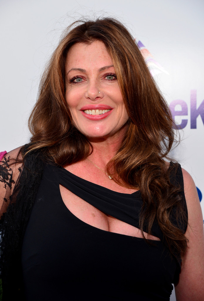 Kelly le brock the woman in red 7