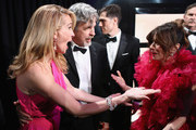 In this handout provided by A.M.P.A.S., Peter Farrelly and Linda Cardellini pose with the Best Picture award for 'Green Book' with Julia Roberts backstage during the 91st Annual Academy Awards at the Dolby Theatre on February 24, 2019 in Hollywood, California.