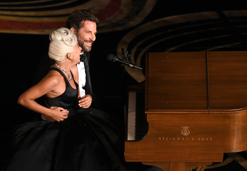 "Lady Gaga And Bradley Cooper Took The Oscars From Zero To Sexy With Their Performance Of ""Shallow"""