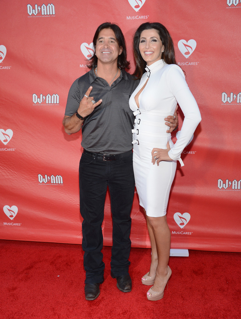 Jaclyn Stapp Photos Photos - Arrivals at the MusiCares MAP Fund