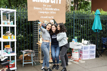 Abbi Jacobson Broad City's Abbi Jacobson And Ilana Glazer Set Up FYC Campaign Headquarters At 'Shework' Pop Up In New York City
