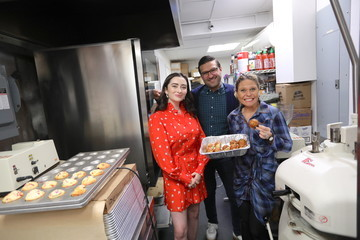 Abby Quinn Bantam Bagels Hosts Mad About Bagels Day With Abby Quinn