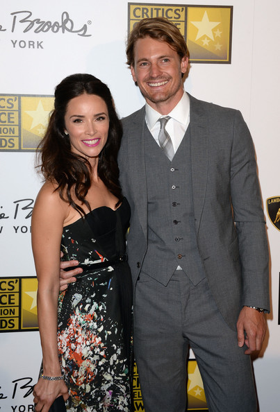 Abigail Spencer and Josh Pence, Source: Zimbio