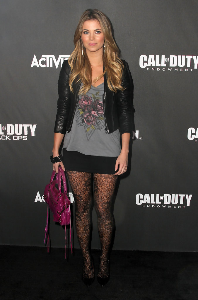 Amber Lancaster Photos Photos Activision S Quot The Call Of