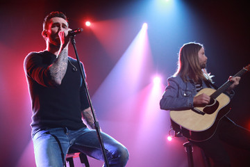 Adam Levine James Valentine One Voice: Somos Live! A Concert For Disaster Relief - Los Angeles