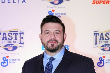 Adam Richman Taste of the NFL Comes Home to Minnesota for the 27th Annual Party With a Purpose