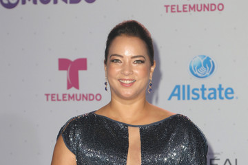 Adamari Lopez Telemundo's Premios Tu Mundo 'Your World' Awards - Arrivals