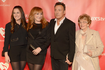 Adele Springsteen The 55th Annual GRAMMY Awards - MusiCares Person Of The Year Honoring Bruce Springsteen - Red Carpet