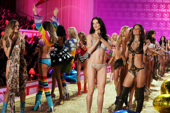 Adriana Lima victoria secret 2011 gallery