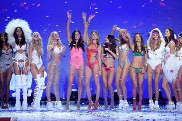 Adriana Lima Behati Prinsloo 2015 Victoria's Secret Fashion Show - Runway