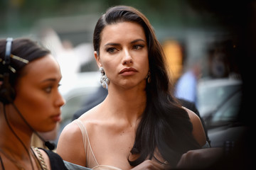 Adriana Lima 2016 Fragrance Foundation Awards Presented by Hearst Magazines - Arrivals