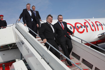 Willie Walsh Air Berlin Joins Oneworld Alliance