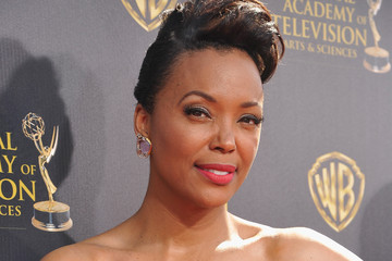 Aisha Tyler The 42nd Annual Daytime Emmy Awards - Red Carpet