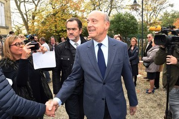 Alain Juppe Alain Juppe Votes for 1st Right-Wing Primary Ahead of the 2017 Presidential Election
