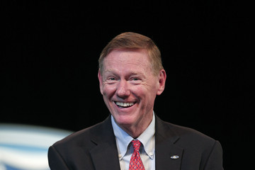 Alan Mulally Ford Names Mark Fields as Next CEO