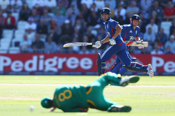 Alastair Coo England v South Africa: 5th NatWest Series ODI