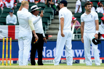 Aleem Dar South Africa v England - Third Test: Day Two
