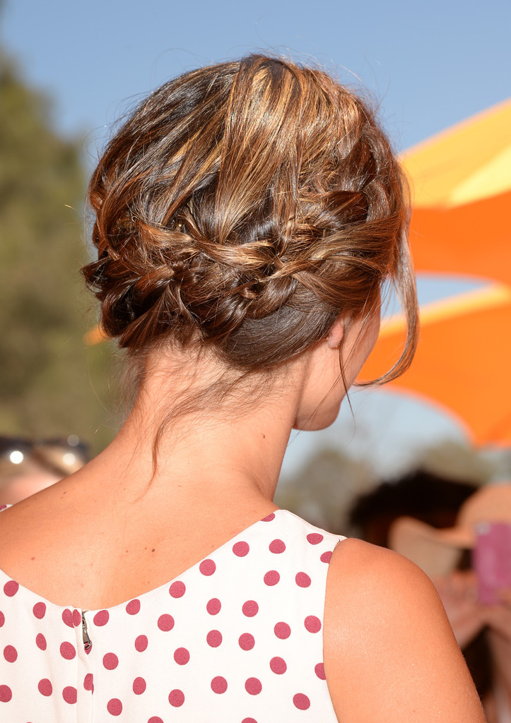 Hair Envy of the Day: Alessandra Ambrosio's Delicate Braided 'Do