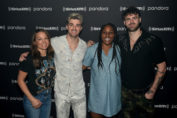 Alex Pall Andrew Taggart The Chainsmokers Perform Exclusive Concert For SiriusXM And Pandora  As Part Of Its Super Bowl Week Opening Drive Super Concert Series