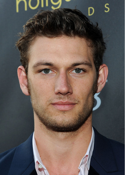 http://www2.pictures.zimbio.com/gi/Alex+Pettyfer+Young+Hollywood+Awards+Arrivals+dzC1WJ0VxN9l.jpg