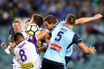 Alex Wilkinson A-League Rd 4 - Sydney v Perth