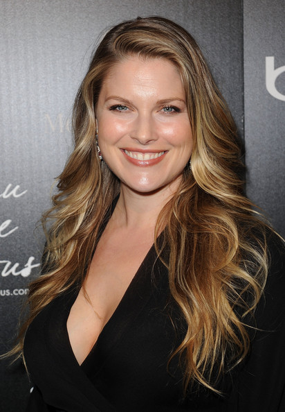 http://www2.pictures.zimbio.com/gi/Ali+Larter+4th+Annual+Hollywood+Domino+Gala+m_W4GtwMRPLl.jpg