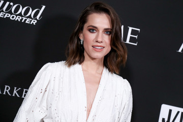 Allison Williams Sean Penn J/P HRO Gala Benefiting J/P Haitian Relief Organization And A Coalition Of Disaster Relief Organizations - Arrivals