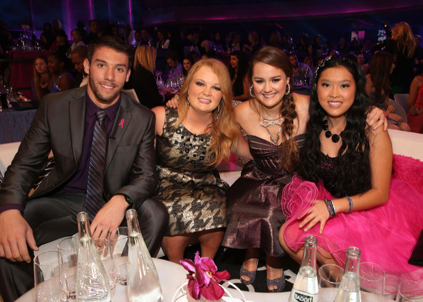 2012 Halo Awards - Show [halo awards,event,pink,fashion,fun,friendship,party,stemware,dinner,honorees,matt ferguson,allyson ahlstrom,kylie lan tumiatti,l-r,hollywood palladium,taylor waters,nickelodeon,show]