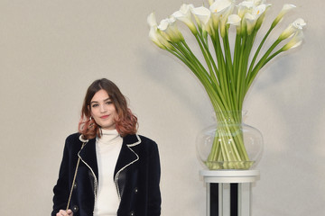 Alma Jodorowsky Chanel : Front Row - Paris Fashion Week - Haute Couture Spring  Summer 2017